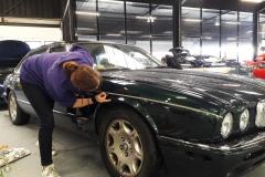 filet-liseret-pinstriping-jaguar-vehicule-ancien-de-collection-carrosserie-garage